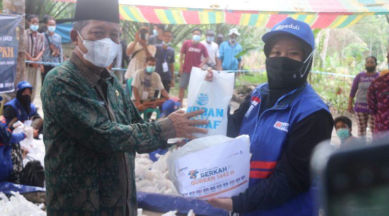 Wakil Gubernur Jambi Hadiri dan Apresiasi Hewan Kurban untuk Suku Anak Dalam yang di Adakan DT Peduli Jambi
